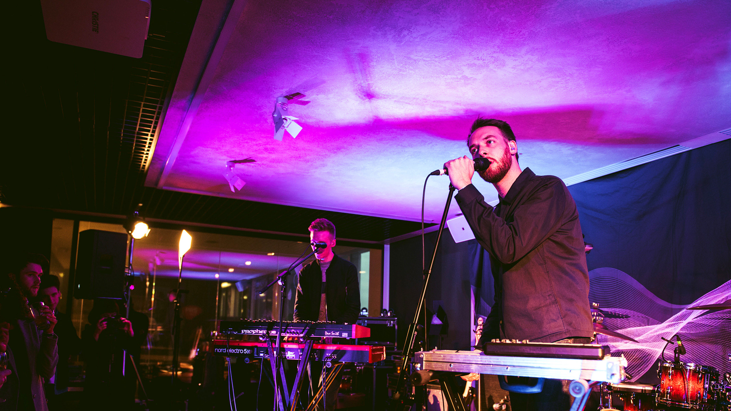 Honne performing with keyboards